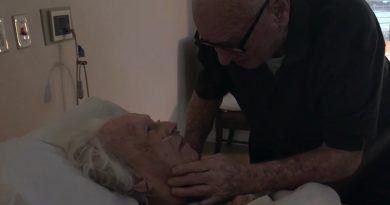 73年間連れ添った妻におじいちゃんが贈る愛の歌